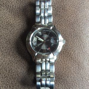 Guess Waterproof stainless steel back watch